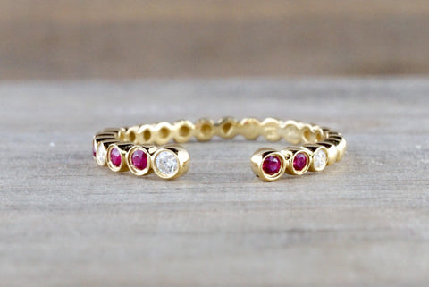 18kt Yellow Gold Round Cut Ruby and Diamond Bezel Fashion Ring Bead Design Band