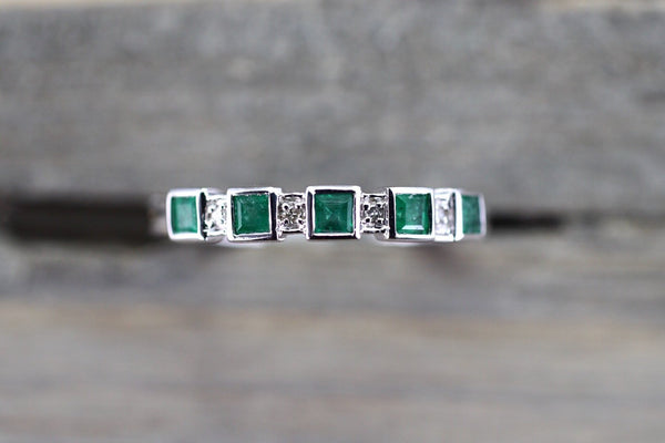14k White Gold Square Princess Cut Emerald Gemstone Diamond Vintage Antique Classic Band Ring Style Design Art Deco Chic