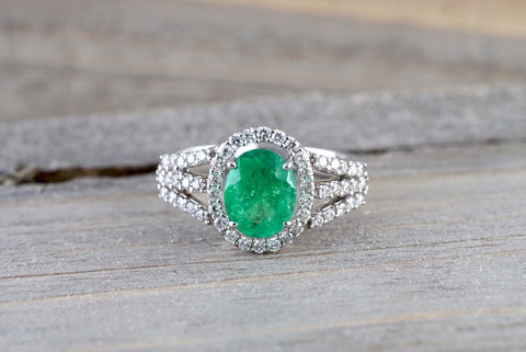 18k White Gold Classic Natual Colombian Emerald Oval Diamond Halo Engagement Wedding Ring