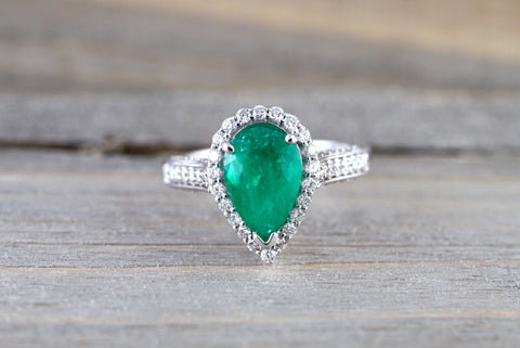 14k White Gold Pear Cut Green Natural Columbian Emerald Diamond