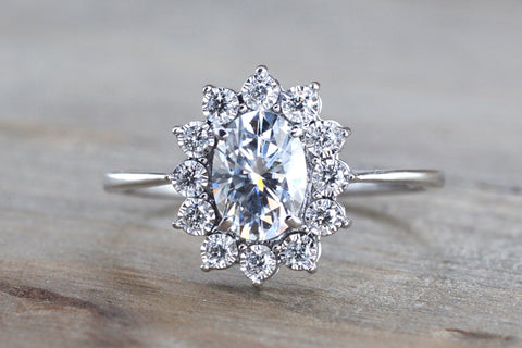 Heirloom Halo Diamond ring with Moissanite M3097
