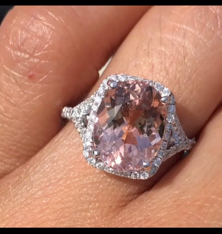 14k White Gold Oval Cut Morganite Diamond Halo Engagement