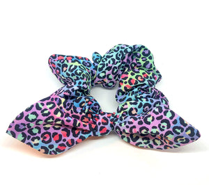 Scrunchie - Black Rainbow Leopard