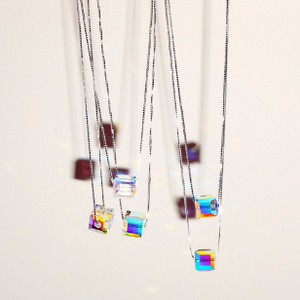 The former 3 luo mi wangzi the same style s925 aurora square sugar crystal necklace pendant chain female simple silver jewelry.