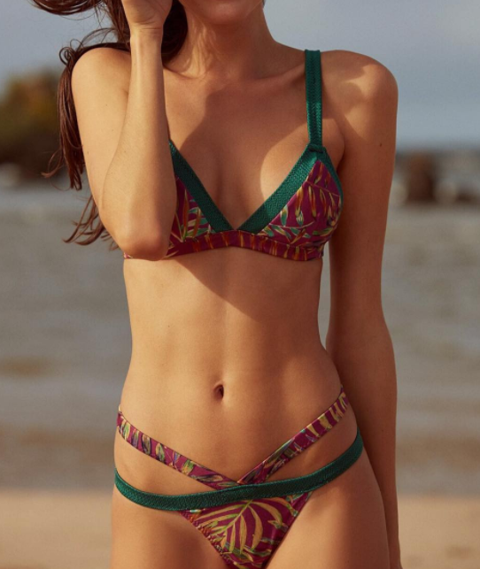 Trendy hot selling printed suspenders with low-waisted three-point swimsuit sexy two-piece bikini