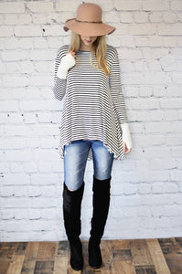 Black and White Thumbhole Tunic - Adventurista Boutique