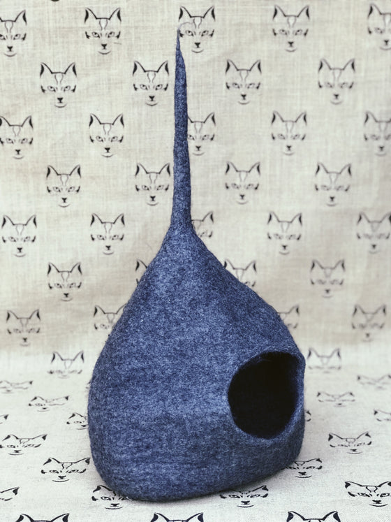 Medium New Zealand Wool Felt Cat Cave