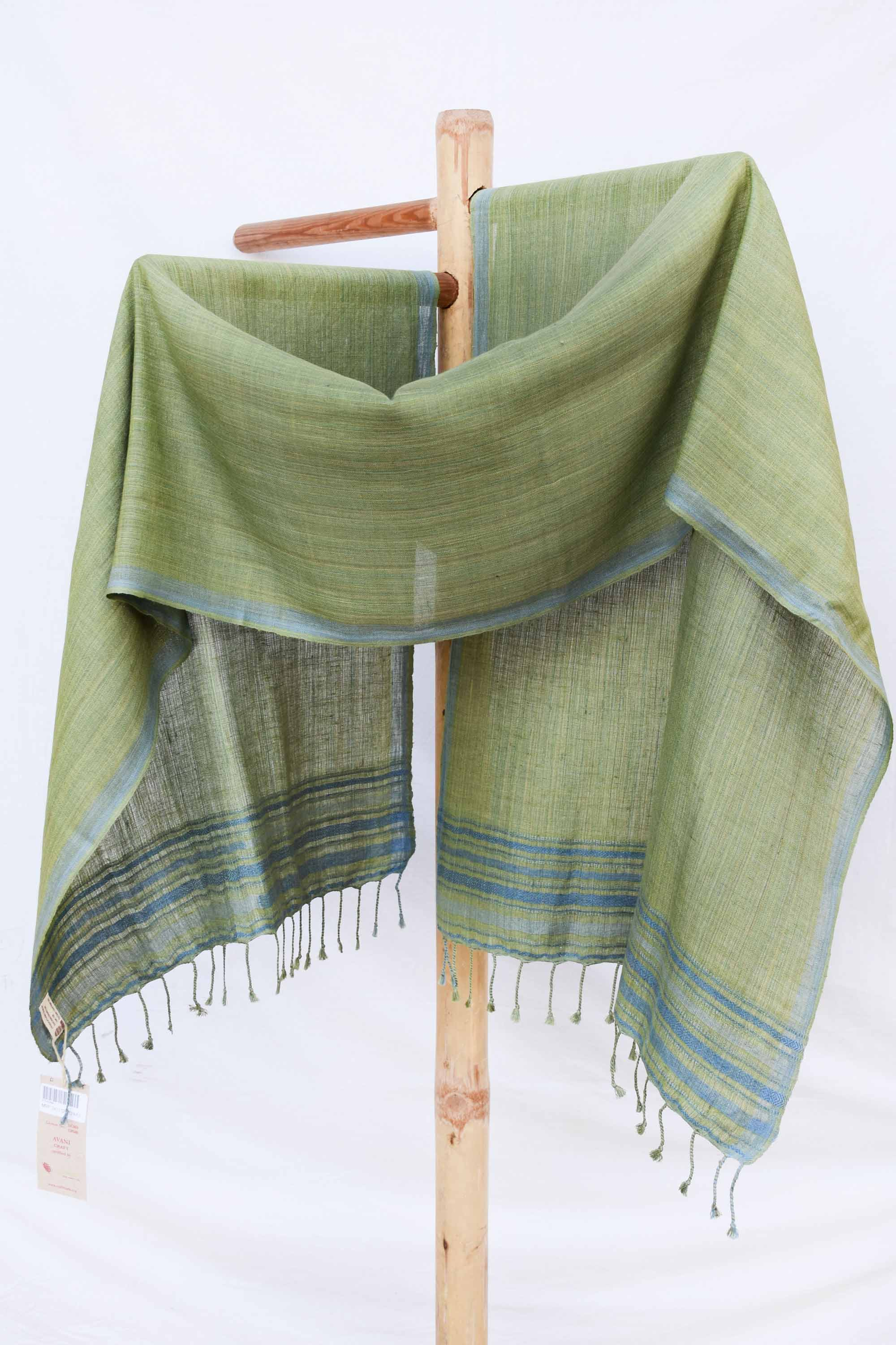 Light green with indigo details on border ST036086A