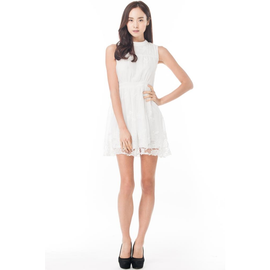 FRANKEL FLORAL MORTIF DRESS IN WHITE (Size XS/M only)