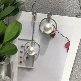 Crystal pearls drop earrings