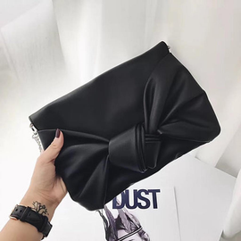 Colett Bow Clutch