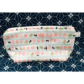 Mini cats walking on white Amanda Pouch