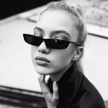 DIGUYAO 2018 Vintage Rectangle Sunglasses Women Brand Designer Small Frame Sun Glasses Retro Black Eyewear