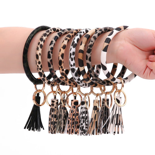 Fashion Leopard Wristlet Keychain for Women Girls Pu Leather O Keyring Large Round Key Ring Keychains - ShopeeShipee
