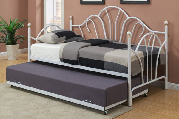 White Metal Frame Day Bed - F9235
