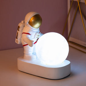 Nordic Astronaut Moon Lamp Decoration Simple Night Light Resin Night Lamp Children Gift Bedroom Lamps Table AG10 Button Battery