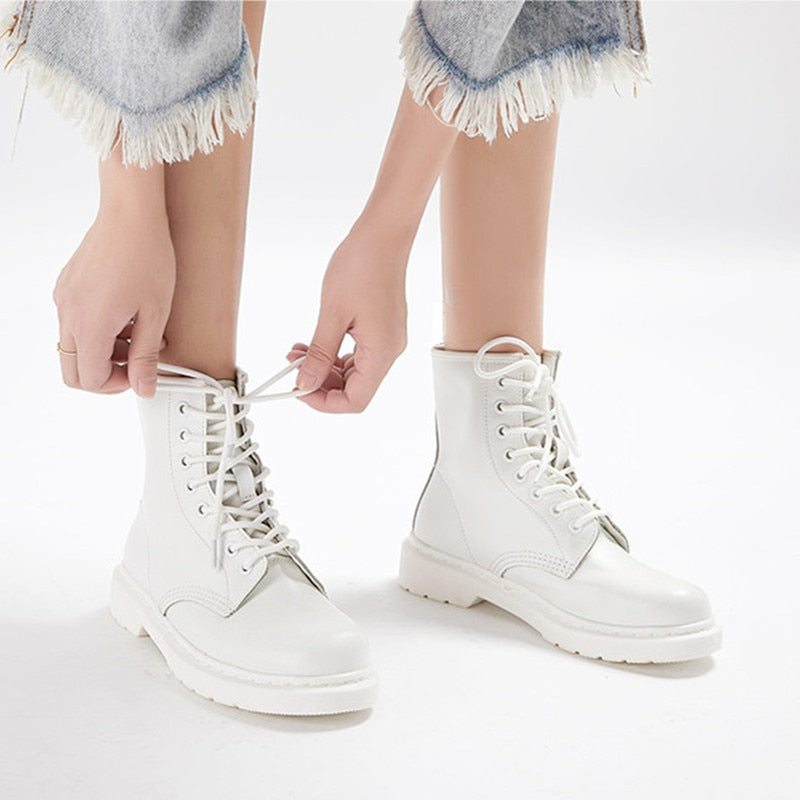 Size 35-44 Autumn Ankle Boots Women Flat Platform Boots Warm Plush winter boots Round Toe Lace-up leather shoes