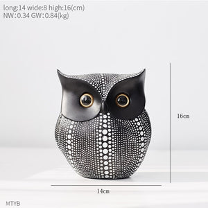 Black And White Owl Statue Creative Decoration Resin Animal Sculpture Modren Home Decoration For Living Room Simulation Ornament