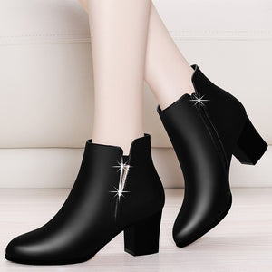 Women's Chelsea Boots Black Ankle Boots For Woman Thick High Heel Round Toe Winter Genuine Leather Shoes YG-A0026