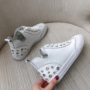 Women's Flats 22.5-25 cm feet length Genuine Leather rivet sneakers sports and leisure shoes Fashion Brogue shoes Cute all match