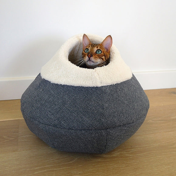 Round Cosy Plush Cat Cave