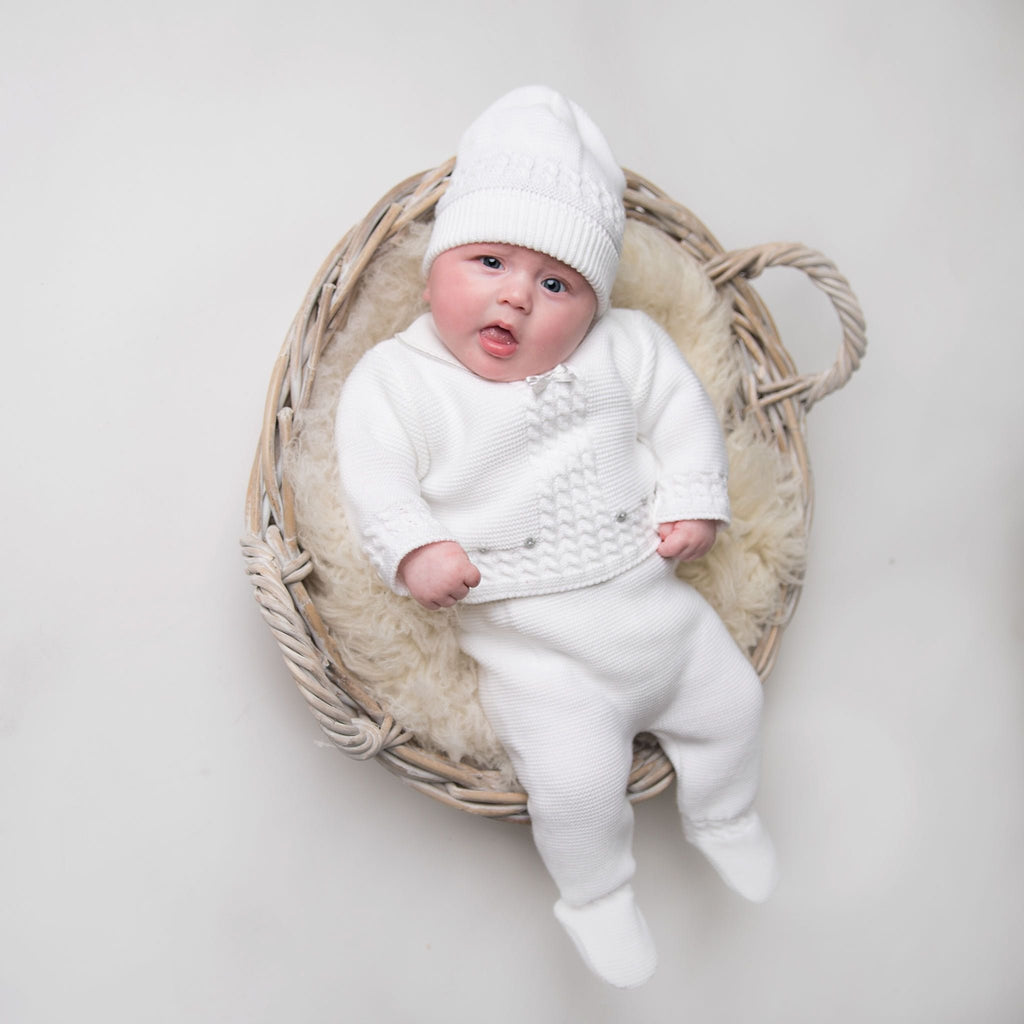 Unisex White Knitted 3 Piece Set With Hat