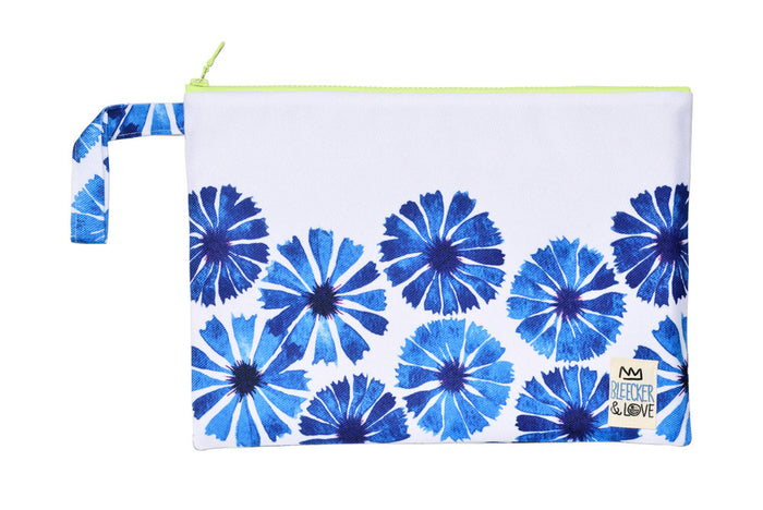 Pouch Daisies