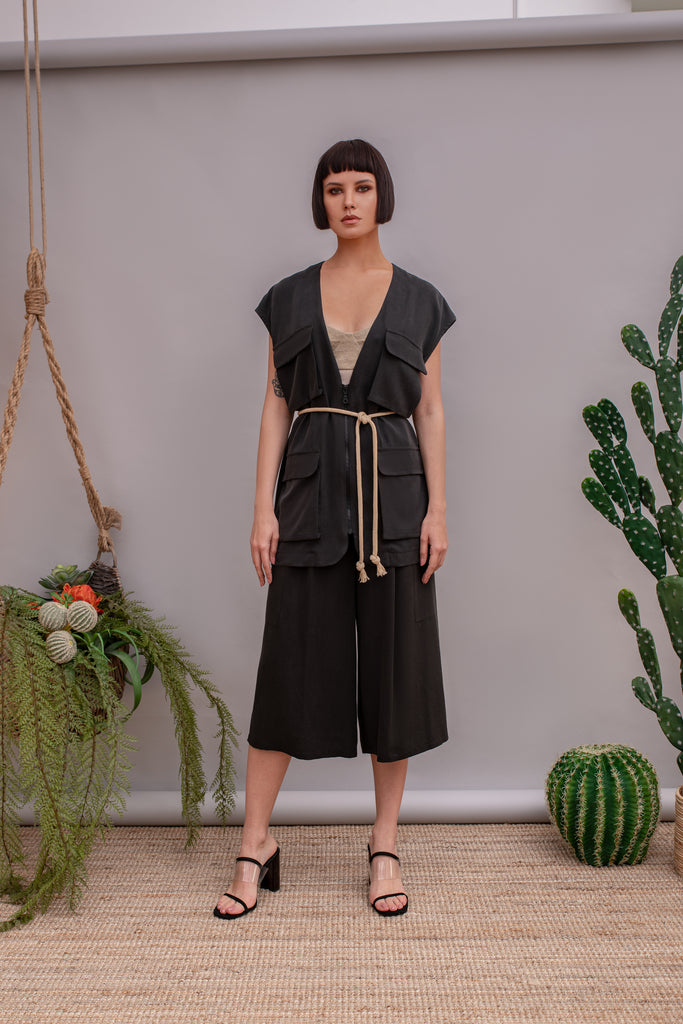 Old Fashioned Black culottes