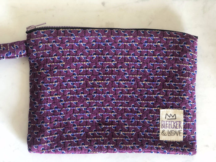 Pouch Purple Curves