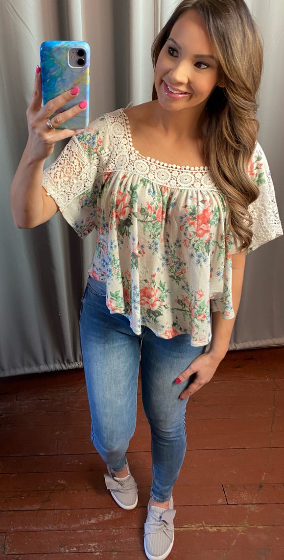 Virginia Boxy Lace & Floral Top