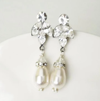 drop pearl bridal earrings in vintage style