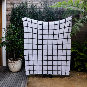 Grid Throw in Light