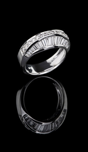 White Gold and Diamond Ring DR-609