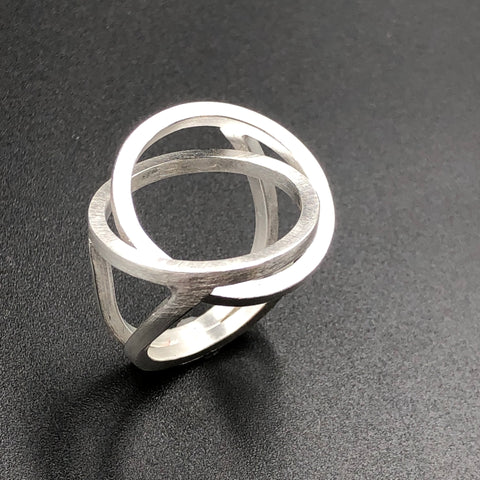 Interlocking Circles Ring