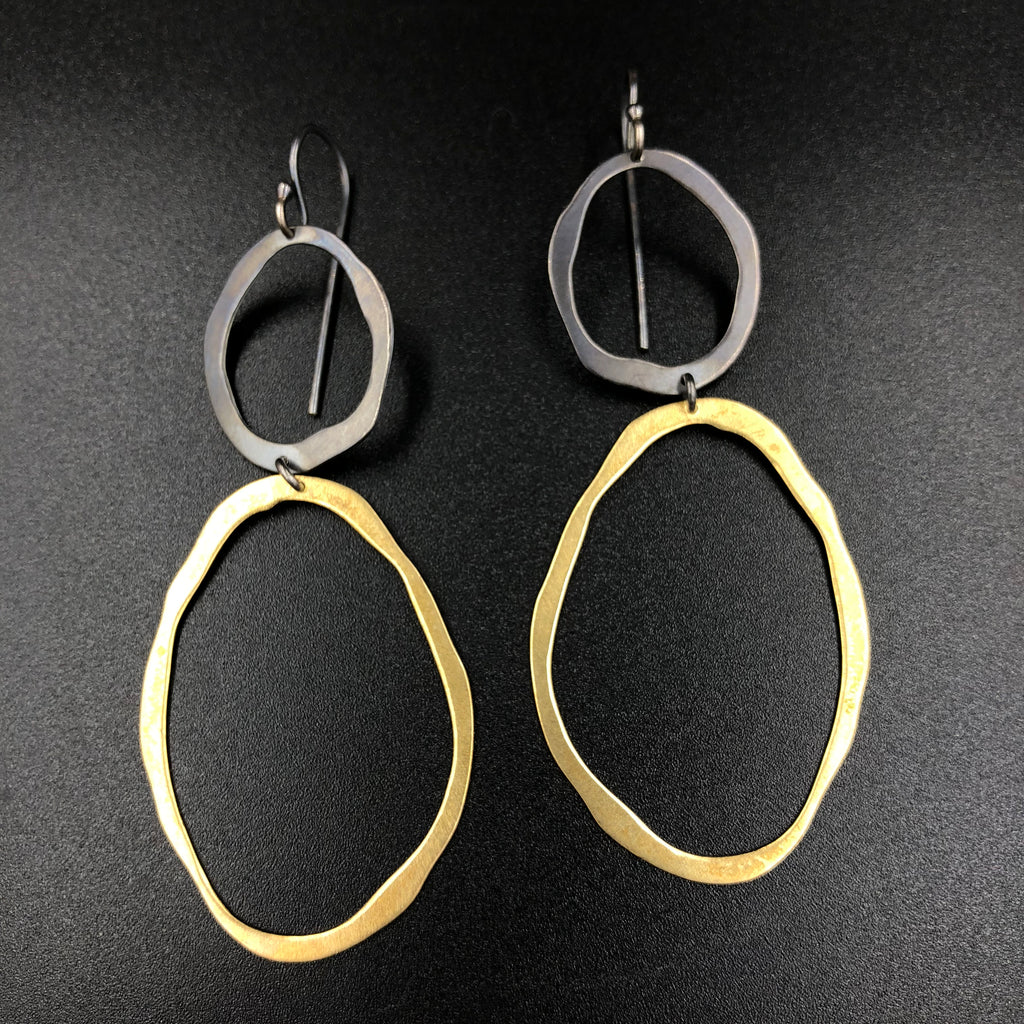 Thin 2 Circle Rough Cut Earrings - V/OX