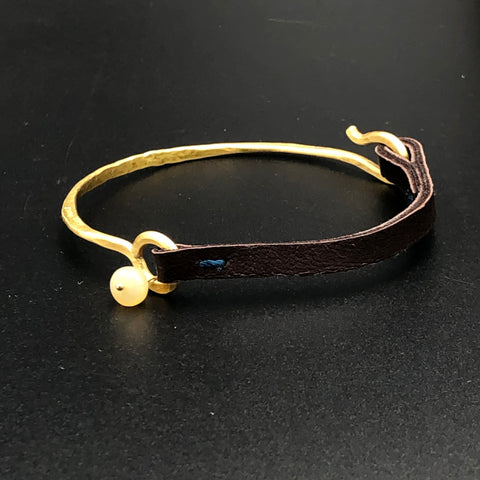 Hammered Brass Hook Bar Bracelet