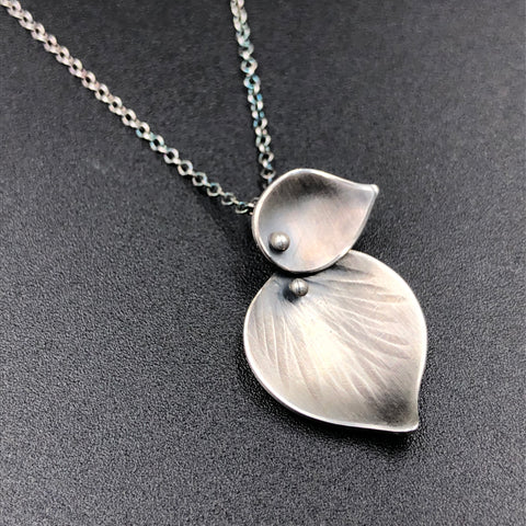 Double Leaf Pendant
