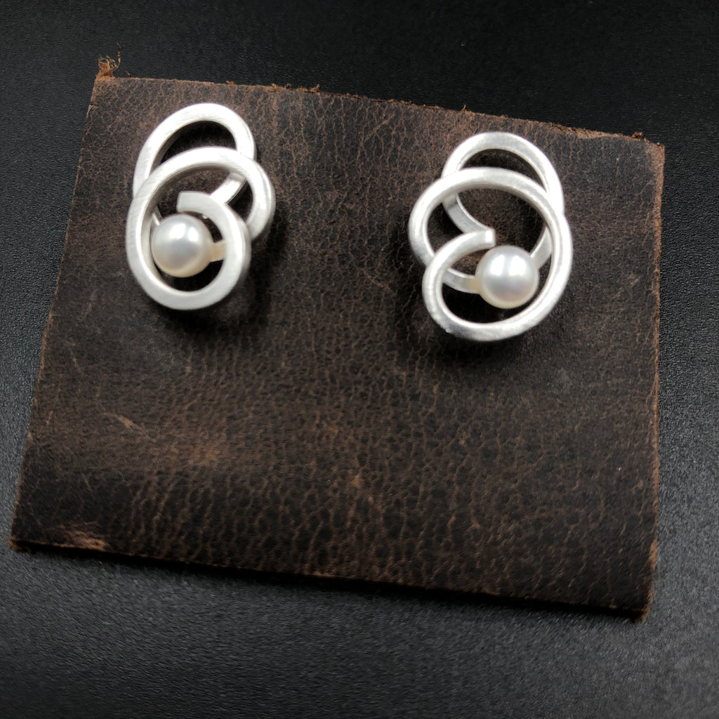 Triple Squiggle Post Earrings with Pearl
