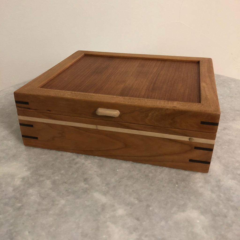 Locking Medium Jewelry Box
