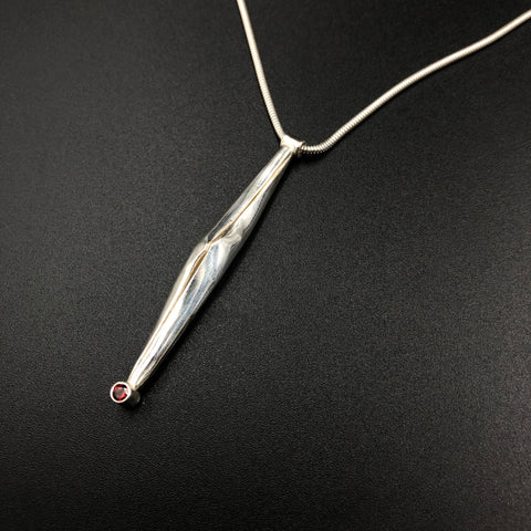 Single Spiculum Pod with Garnet Necklace