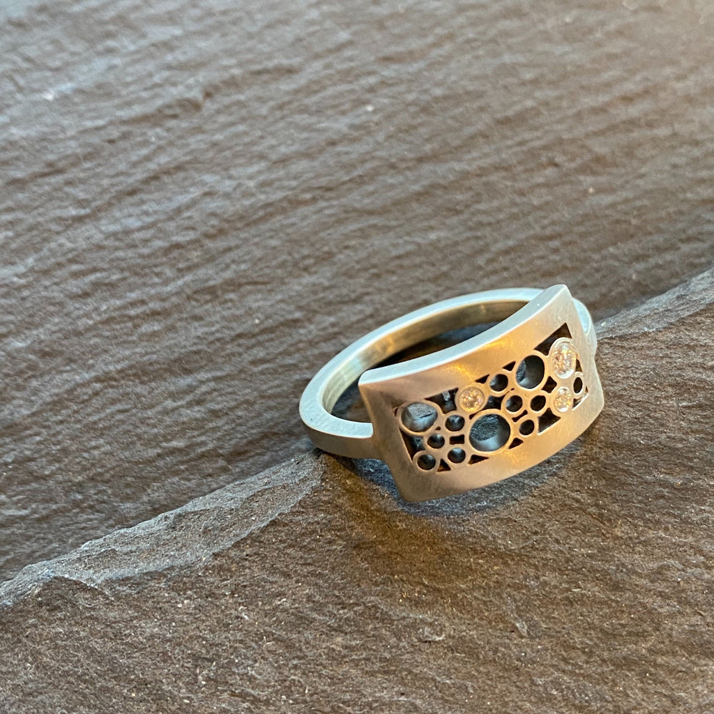 Curved Rectangle Ring