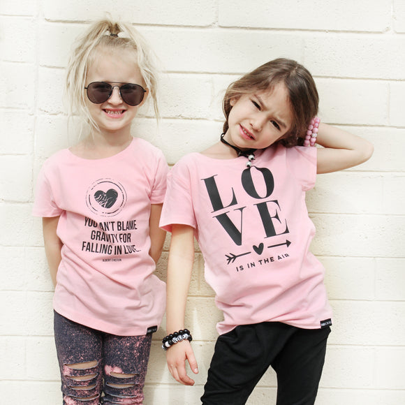 GIRLS LOVE IS IN THE AIR Pink Short Sleve T-shirt - FABVOKAB
