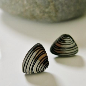 Rimu Pipi Earrings