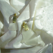 REFRACTION EARRINGS [ FROSTED, X LARGE  ]