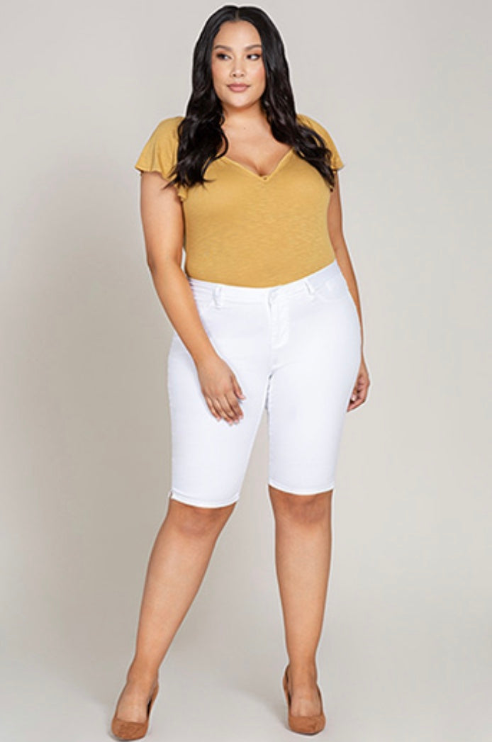 Jean - White Bermuda Shorts (Wide Fit)