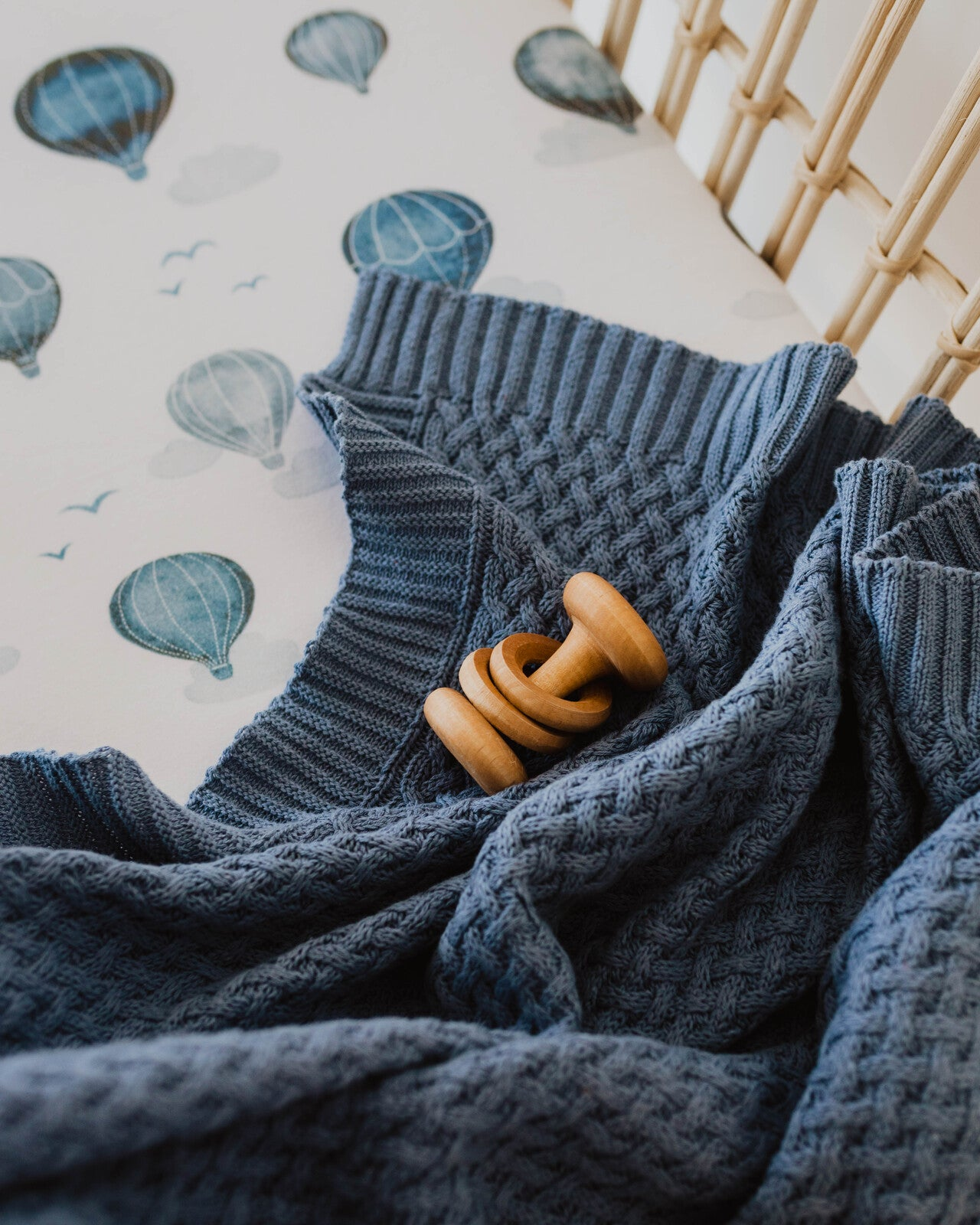BABY KNITTED BLANKET - RIVER