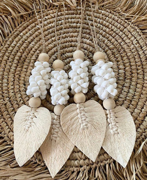 HIYA FEATHER/LEAF & SHELL GARLAND - WHITE