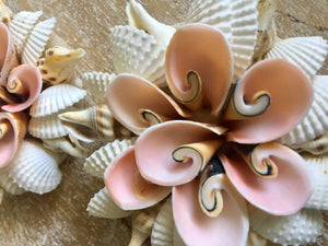 FLOWER SHELL HANGING ORNAMENT