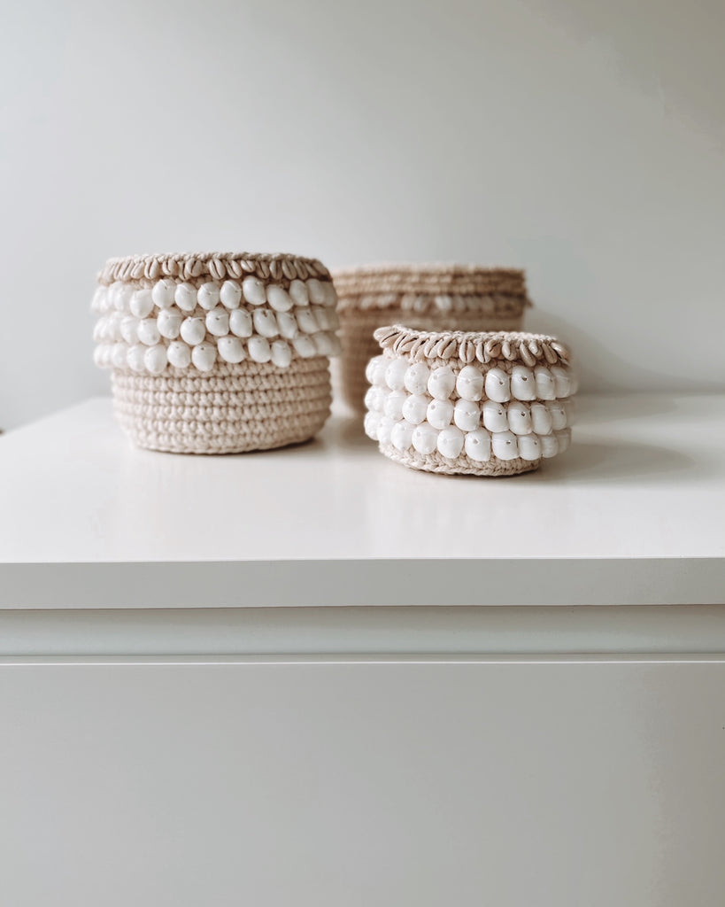 COASTAL COLLECTION MACRAME & SHELL PODS - WHITE