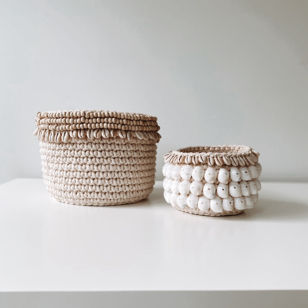 COASTAL COLLECTION MACRAME & SHELL PODS - COWRIE